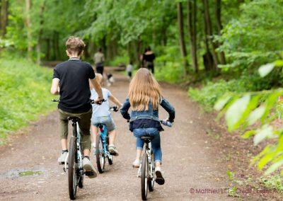 85. Enfants à vélo dans les bois de la Vecquée | 2018